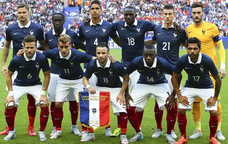 Football EURO 2016 : Une équipe de France acclamée par le public